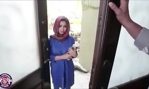 arab moms  huge boobs  maid