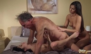 cock  cum  grandpa  man vs woman  old cunt  sharing