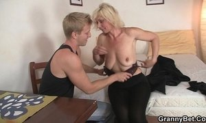 blonde mature fuck behind mom old cunt